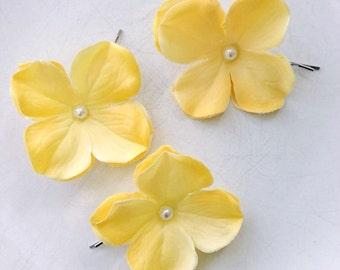 yellow flower bridal hair pins, yellow, yellow wedding hair pins, weddings, hair, yellow flowers, yellow hair accessories, pearl hair pins