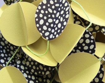 3D Paper Garland black and yellow