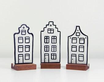 Set of 3 Dutch houses. Handpainted wood.