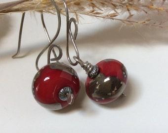 Red Earrings / Red Glass Earrings / Red Dangle Earrings  / Sterling Silver Earrings / Lampwork  Glass Earrings