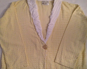 V6  Pretty yellow chenille women's X