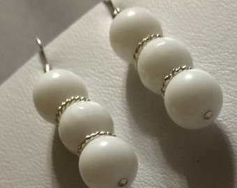 Sterling Silver White Agate drop Earrings.