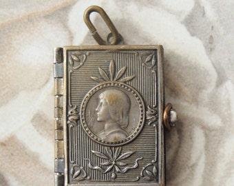 Rare Old Locket Images ST. Joan of Arc