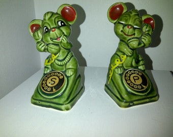 Vintage Mice Salt and Pepper on the Telephone