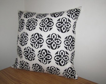 SALE! Black and white pattern pillow cover