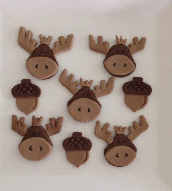 Moose+Cupcakes Moose and acorn fondant cupcake topper by ...
