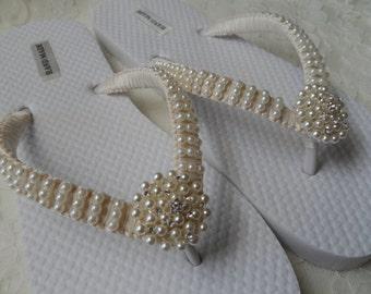 Ivory Pearls Flip Flops / Wedding Sandals Pearls Rhineston Flip Flops / Bridesmaids Shoes /Bridal Sandals....