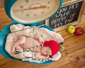 Adorable apple crochet hat