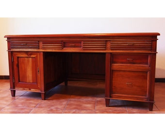 Writing Desk in mahogany