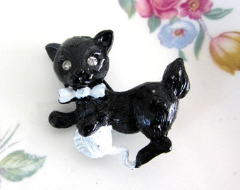 Vintage Gerry's Black Kitten with Yarn Ball Brooch Pin