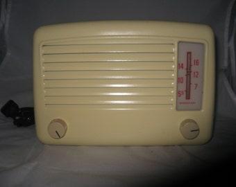 Vintage Airline Tube Radio