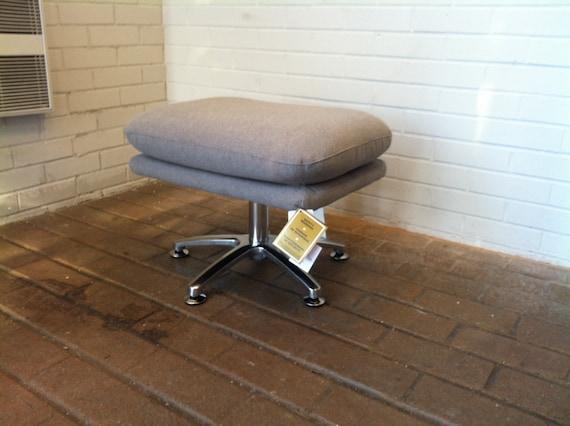 Brand New Custom Made OTTOMAN Many Colors Mid Century Lounge Danish Modern Pod Egg Knoll Eames Saarinen Overman Style