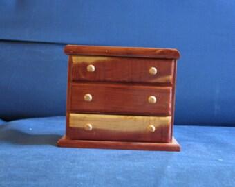 Cedar Jewelry box with 3 drawers Small