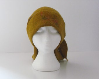Felted hat.Mustard