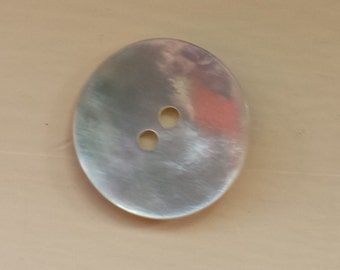 One mother of pearl vintage button in good vintage condition