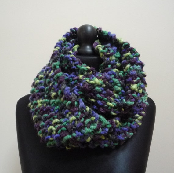 ladies green blue purple black mix hand knit infinity scarf. Black Bedroom Furniture Sets. Home Design Ideas