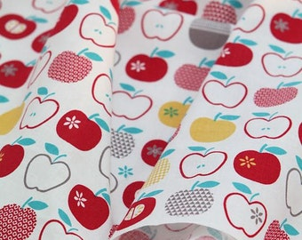 Lovely Red Apples Pattern Cotton Fabric by Yard AQ13