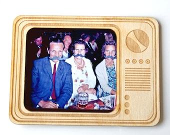 Magnetic photo frame - fridge magnet - retro tv - Wooden photo frame - gift for Valentine's - tv photo frame - engraved gift