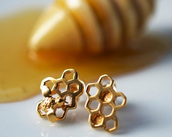 Gold Honeycomb Earrings, Honeycomb and Bee Stud Earrings, Honey Bee Earrings, Gifts for Her, Bumble Bee Jewellery, Bumble Bee gift