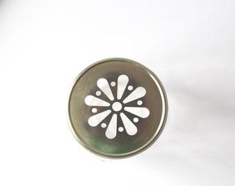 Golden daisy lid for Mason Jar