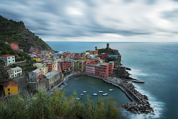 The small fishing village of Vernazza is probably the most characteristic of the Cinque Terre and is classified as one of the most beautiful villages in Italy. Colorful, antique homes cling to impossible cliffs. A lovely small harbor nestles under the shadows of an ancient castle and a dramatic seaside church.