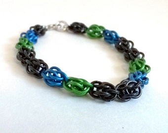 black blue and green sweetpea chainmaille bracelet