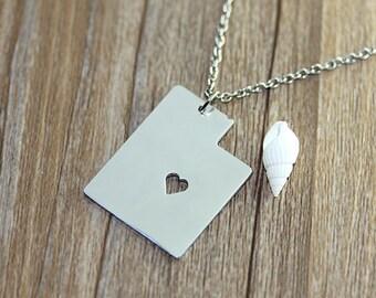 I heart Utah Necklace - Utah Map Pendant - State Necklace - State Charm - Map necklace - Map Jewelry