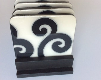 Coasters and wooden base , handmade , painted wood, Black and White Arabesque