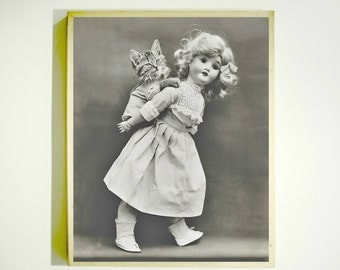 VINTAGE DOLL PHOTO Downloadable Image / Lol Cats / Harry Whittier Frees / Vintage Childrens Art / Vintage Photo