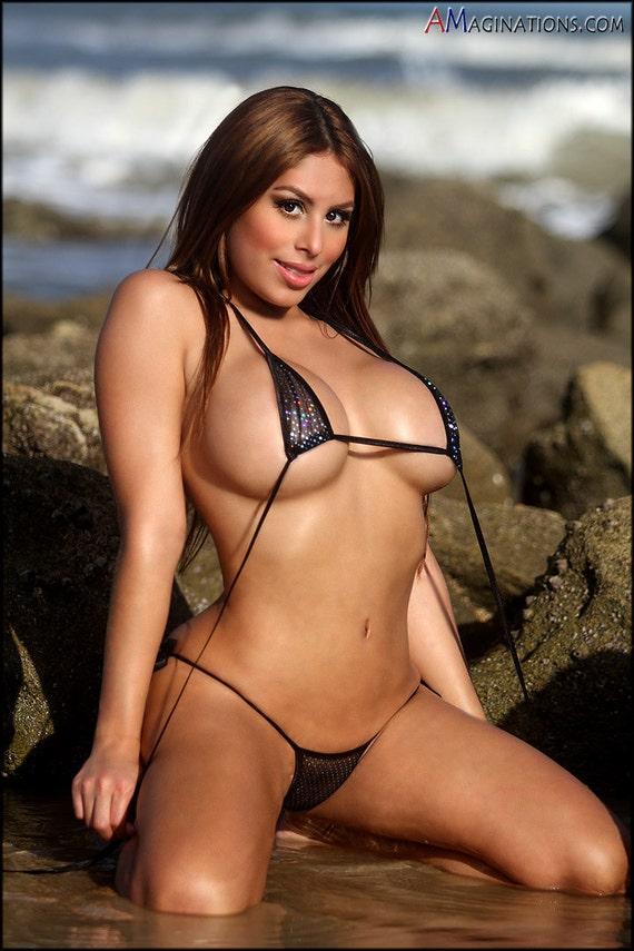 des filles en bikini-042 - Photos voyeur nudiste sous les