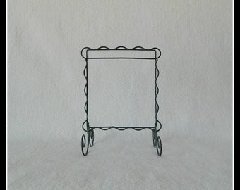Scalloped Table Stand ~ Dark Copper, Charcoal Black, Gray or White Wire ~ 6 x 6 Inches ~ Made in the USA