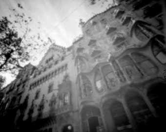 Batlló House and Ametller House, 6x6cm analògic craft pinhole black and white photo.