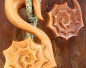 "Sawo Wood Nautilus Shell Hangers (Pair) 6mm (2G) 8mm (0G) 10mm (00G) 12mm (1/2"") 14mm (9/16"") 16mm (5/8"")"