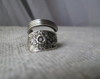"Spoon Ring, Spoon Jewelry, Antique Silver Plated Spoons, ""Jubilee"", Wm Rogers Mfg Co, 1953, Chunky, Dark Patina"