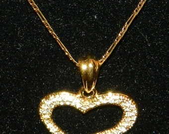 Lovely Golden Heart Necklace with crystals all round.V4