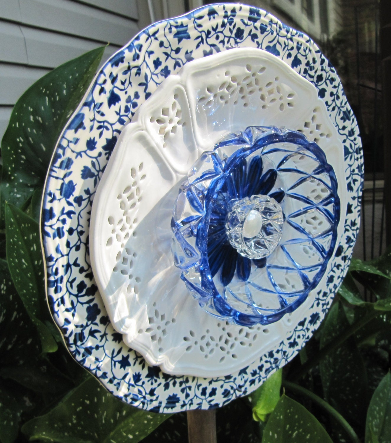 Glass garden flower garden glass ceramic plate flower yard for Flower garden ornaments