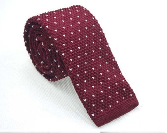 Maroon Knit Necktie with Mini White Patterns.Knitted Ties for Men.Skinny Knitted Tie. Knit Wedding Neckties