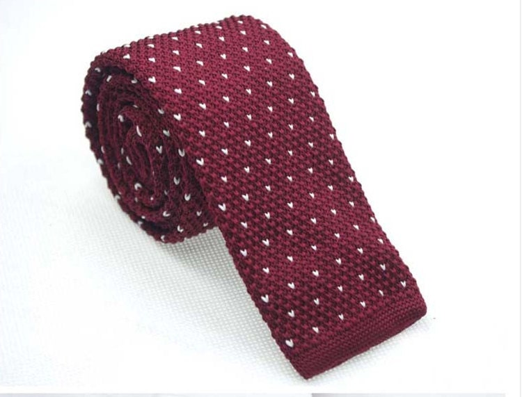 Knit Necktie Pattern : Maroon Knit Necktie with Mini White Patterns.Knitted Ties for
