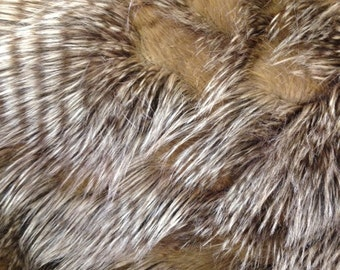 feather/featherd faux fur fabric gold ( long pile )