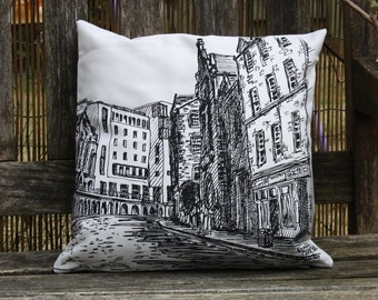 Victoria Street, Edinburgh. 30cm square cushion