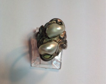 Vintage Sterling Silver Ring with Boroque Pearls, Art Nouveau