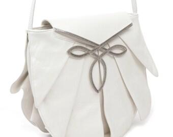 Pleated satchel jewelry - white