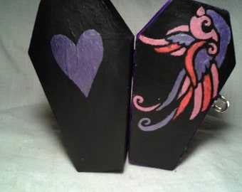 Black hand painted miniature coffin box. Wooden coffin box. Mini coffin jewelry box. Coffin trinket box. Coffin party favor box.