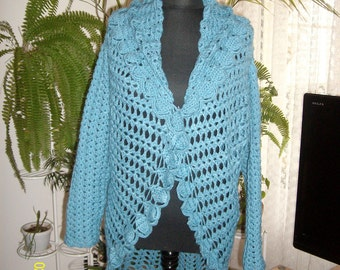 Cardigan knit in the round