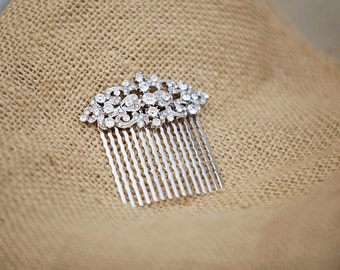 rhinestone bridal hair comb. wedding hair comb. small bridal head piece. Silver comb.