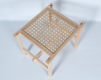 Caned hand - Weaved top stool stool
