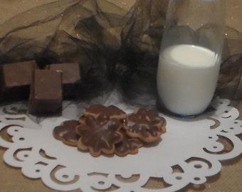 24 Peanut Butter Cookies w/ Milk Chocolate