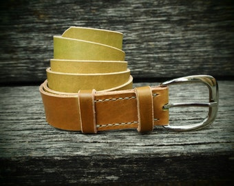 Leather belt, olive, handmade, self-coloured, italian cattle leather, with silvery buckle