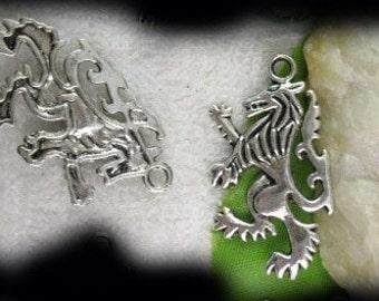 Celtic Jewelry LION RAMPANT Pendant Scots Scotland Symbol P/Celt003