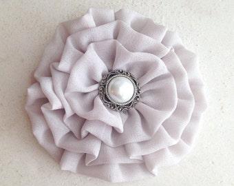 Light Gray Flower Hair Clip.Brooch.Pin.Pale Gray flower.Bridesmaid headpiece.Light Grey Hair Piece.Hair Accessory.Gray Head Piece.wedding